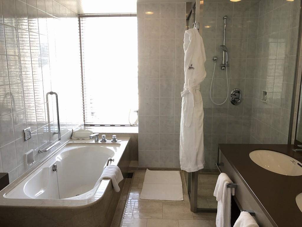 ザ・プリンスさくらタワーの「デラックスコーナールーム」のバスルーム2