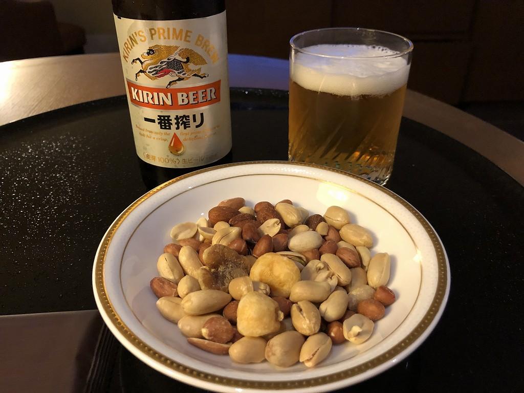 ザ・プリンスさくらタワーのウェルカムギフトの瓶ビールとナッツ