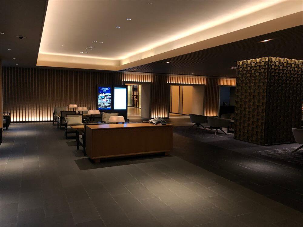 ザ・プリンス さくらタワー東京のフロント前2