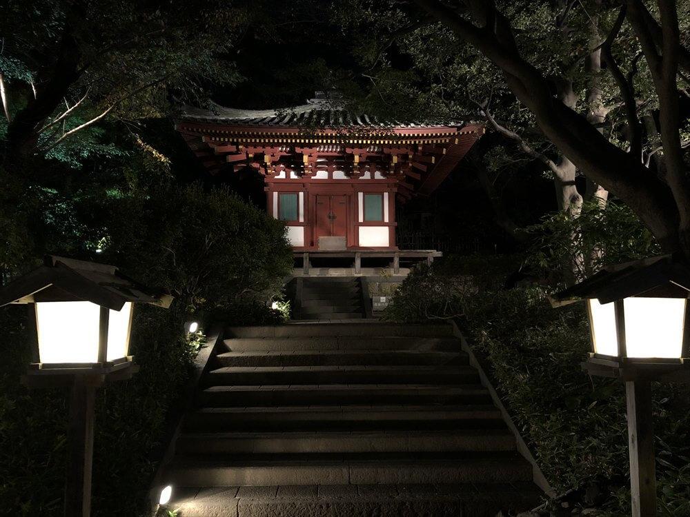 ザ・プリンス さくらタワー東京の夜の庭園2