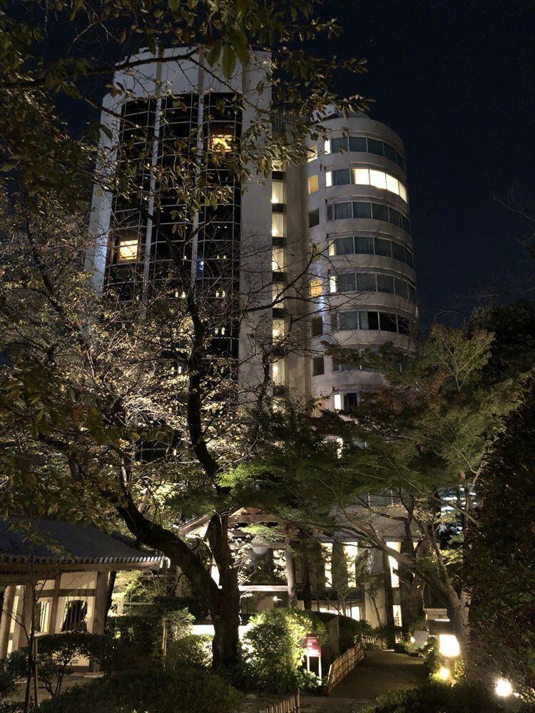 ザ・プリンス さくらタワー東京の夜の庭園3