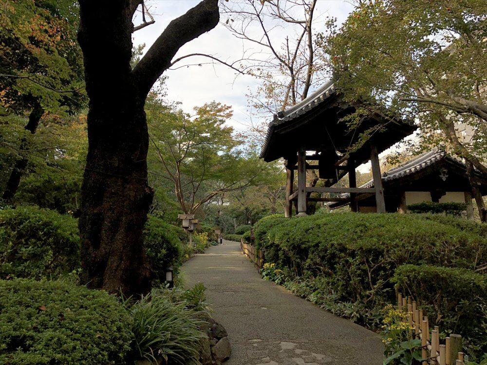 ザ・プリンス さくらタワー東京の昼の庭園1