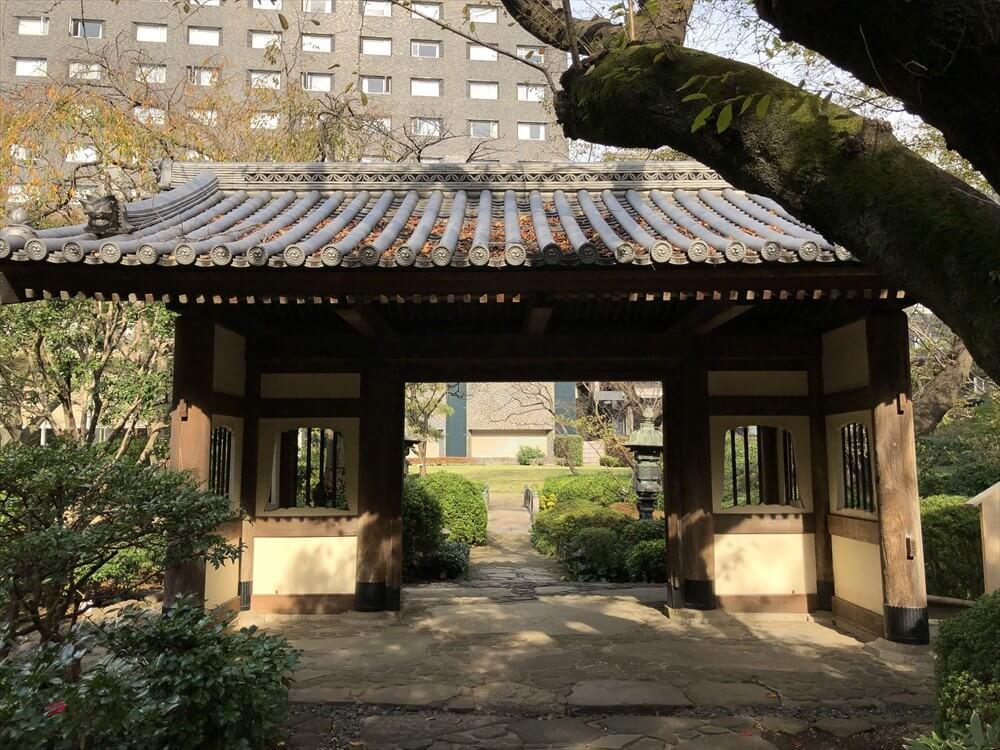 ザ・プリンス さくらタワー東京の昼の庭園2