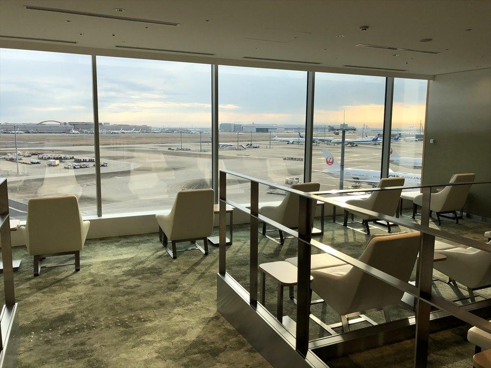 羽田空港国際線ターミナルのサクララウンジ スカイビューからの眺め2