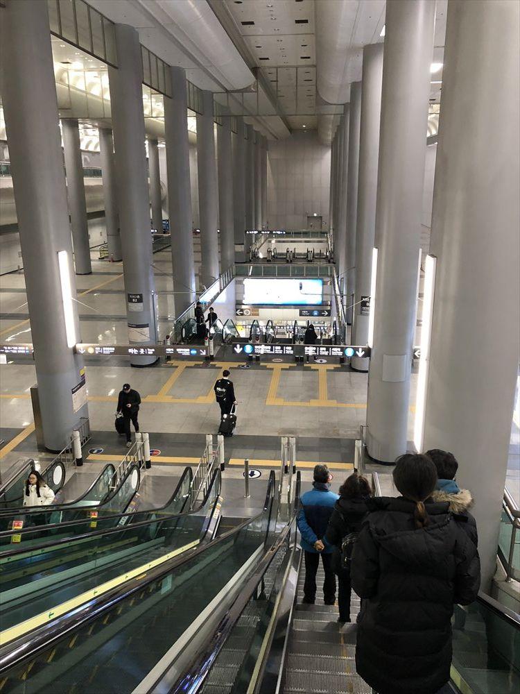 金浦空港駅のエスカレーター