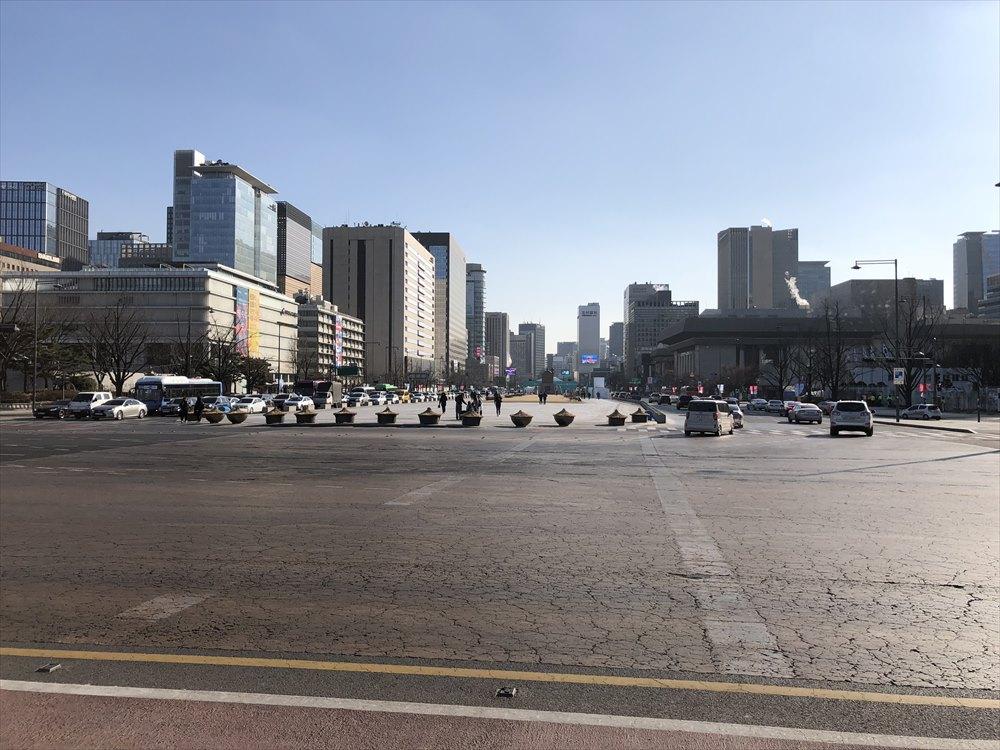 ソウルの光化門前の道路