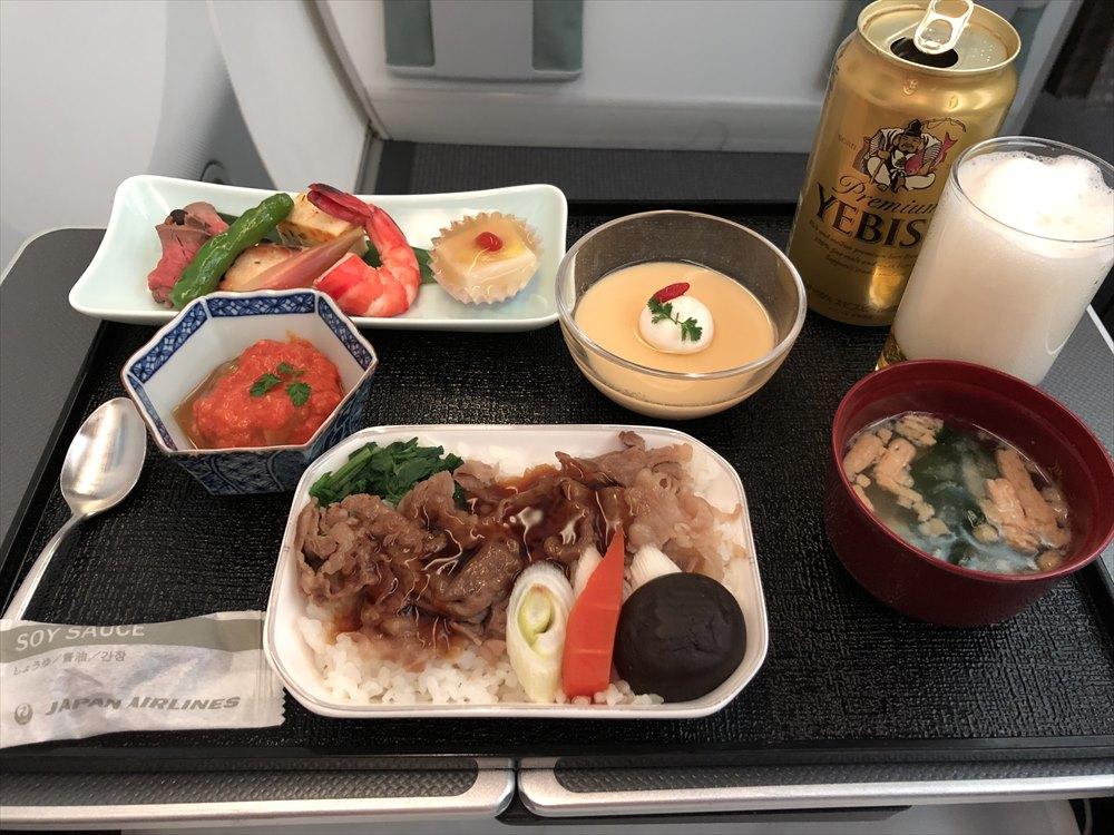 JAL94便(ソウル金浦-羽田)ビジネスクラスの機内食1