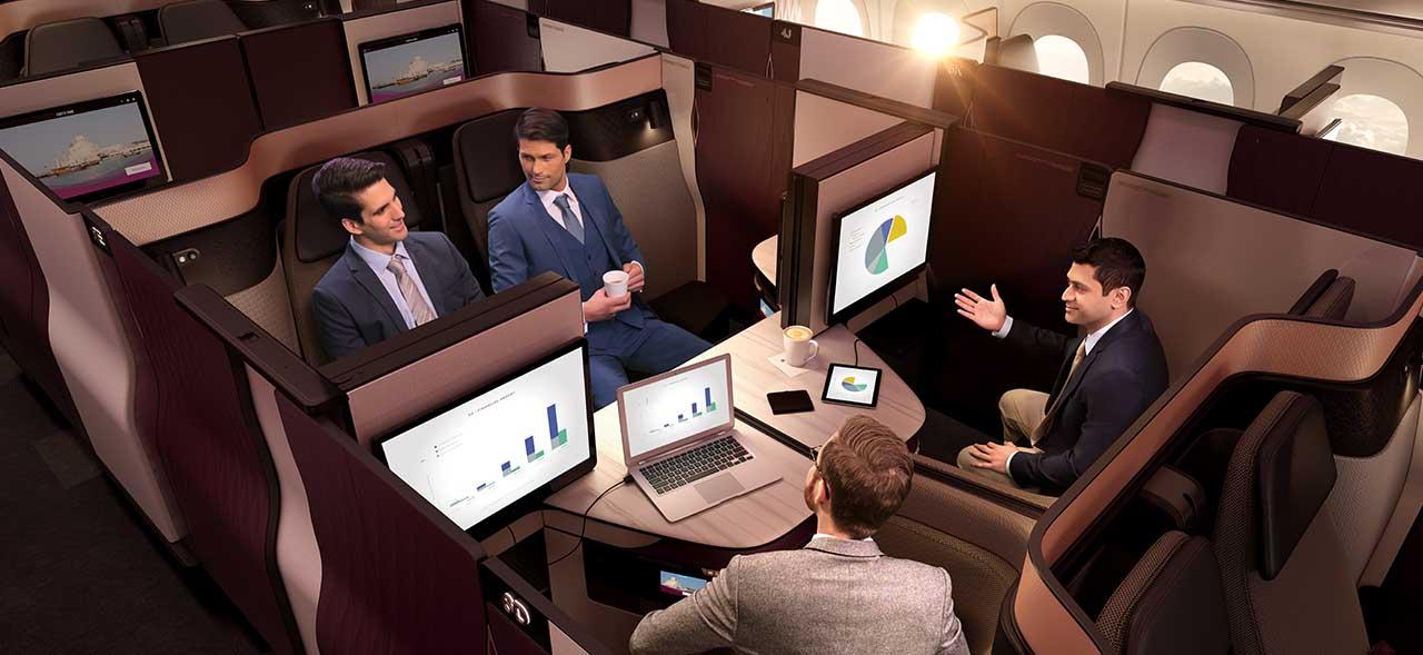 カタール航空のQR813便のQsuiteの会議