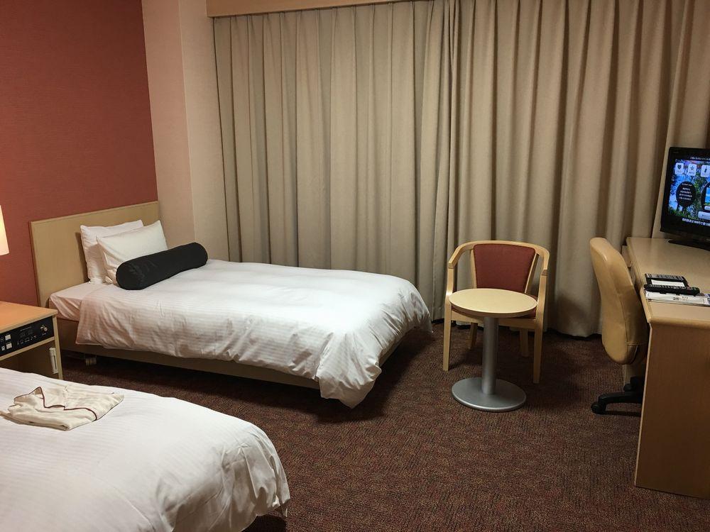 リッチモンドホテル那覇久茂地のツインルーム(バリアフリー)窓側