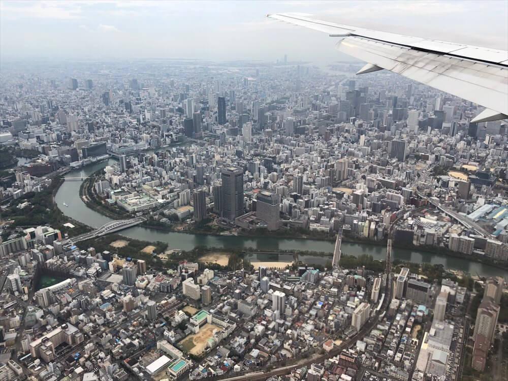 JAL115便から見た大阪の高層ビル1