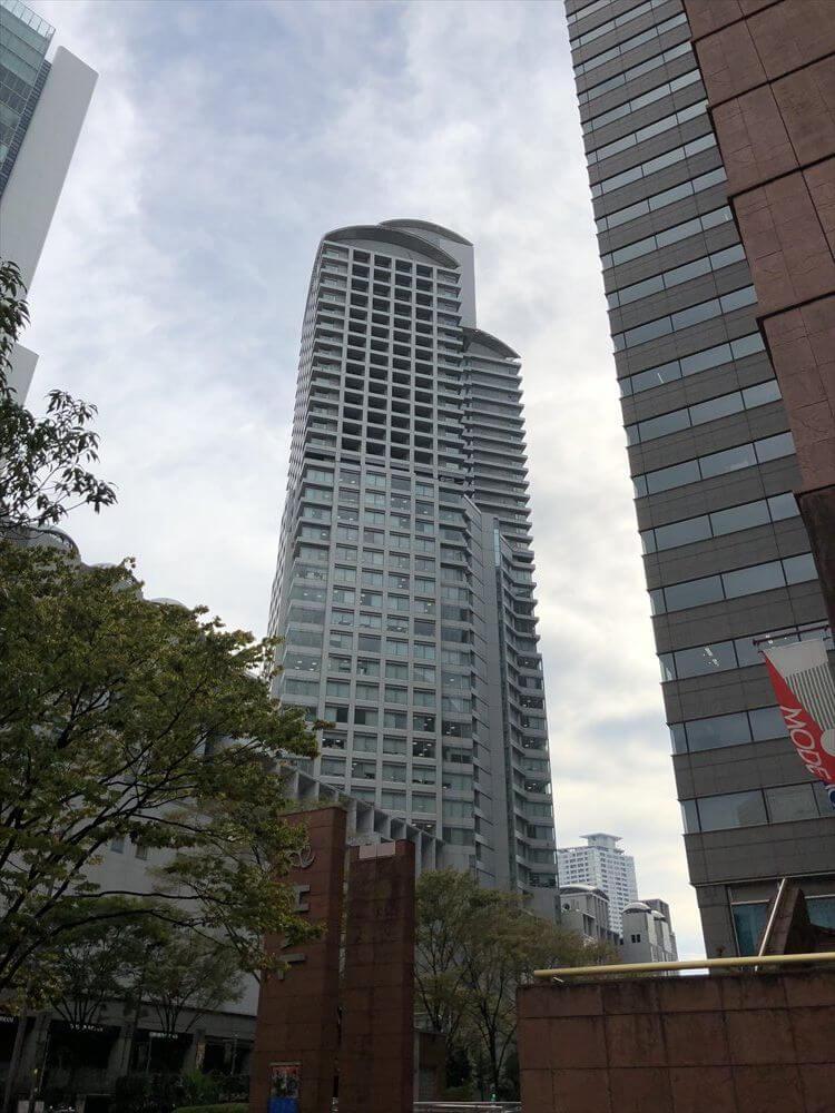リッツカールトン大阪が入っているビル