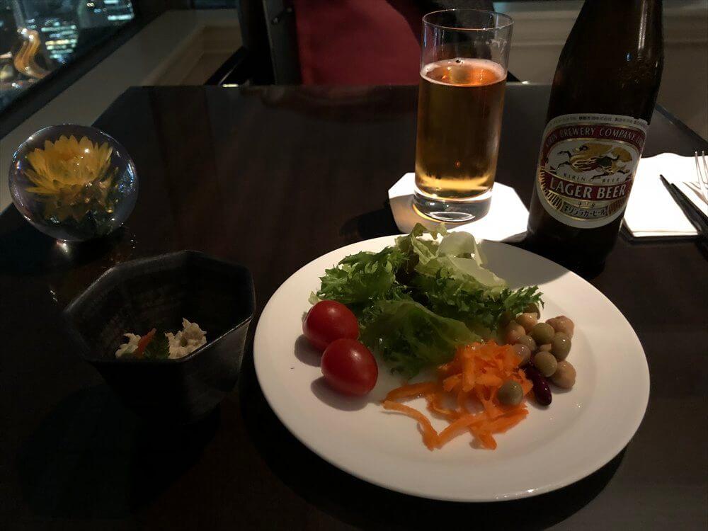 リッツカールトン大阪のクラブラウンジのカクテルタイム4