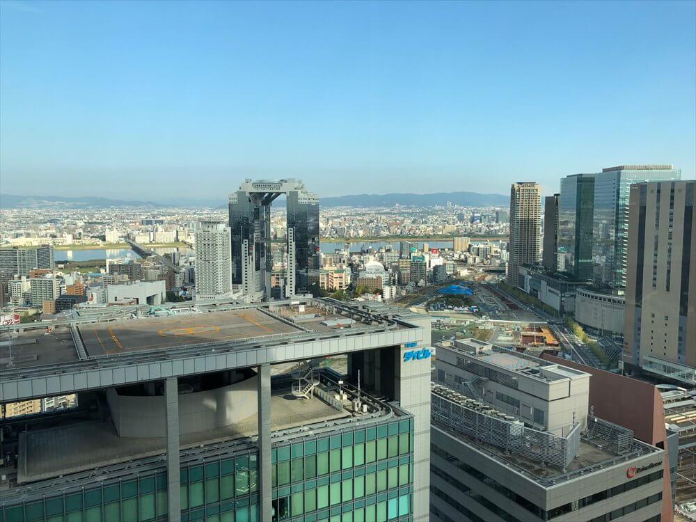 リッツカールトン大阪のジュニアスイートからの眺め(朝)