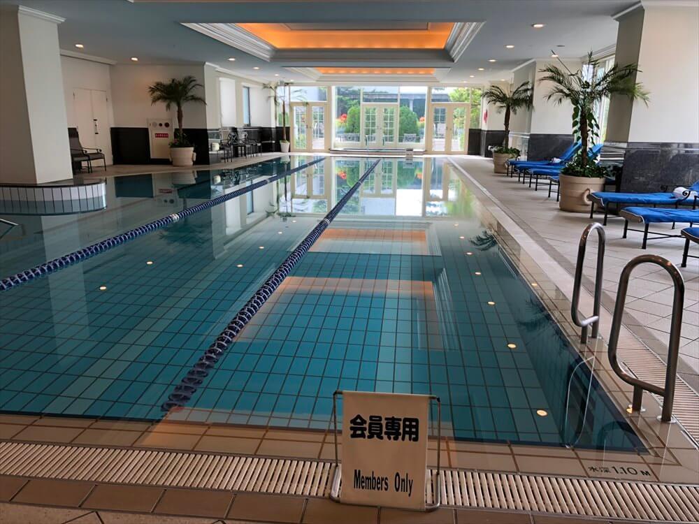 リッツカールトン大阪のフィットネスセンターのプール1
