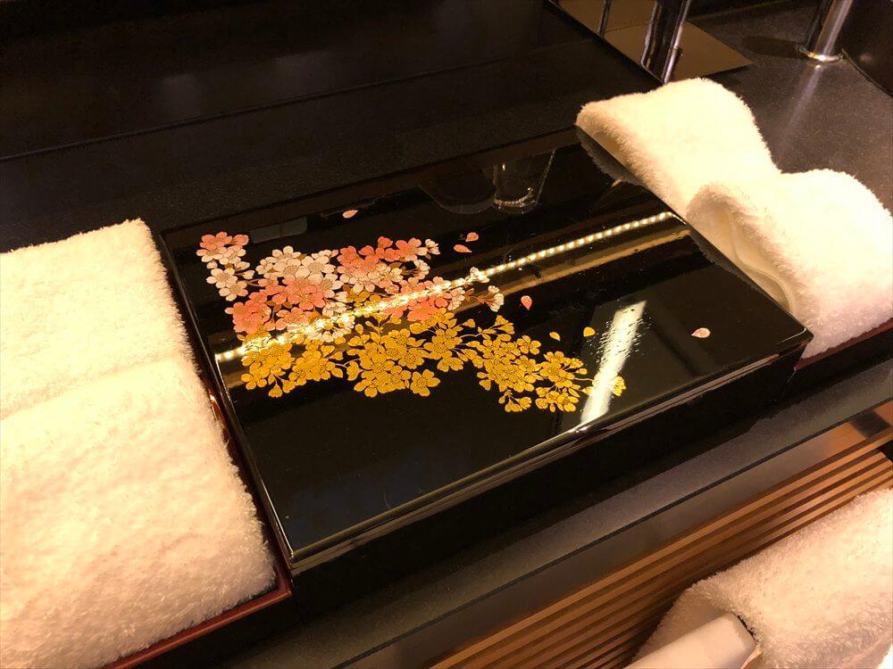 リッツカールトン京都のラグジュアリールームのアメニティ1