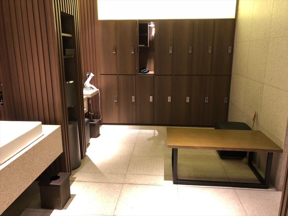 リッツカールトン京都のフィットネスセンターの更衣室1