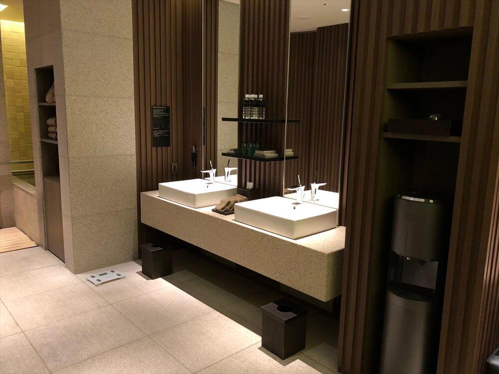 リッツカールトン京都のフィットネスセンターの更衣室2