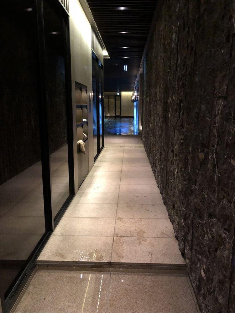 リッツカールトン京都のフィットネスセンターのプール1