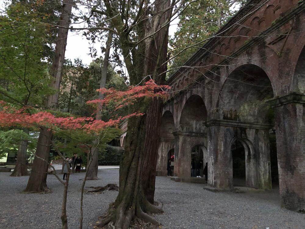 南禅寺の水路閣の紅葉1