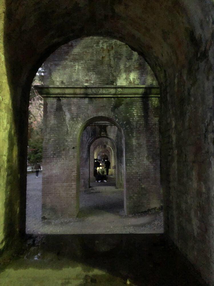 南禅寺の水路閣の紅葉3