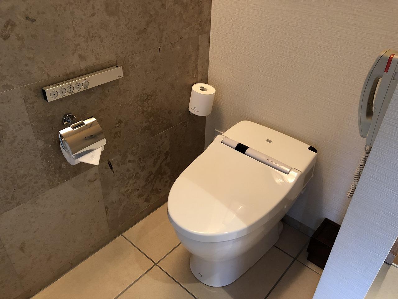 リッツカールトン沖縄のデラックスルームのトイレ