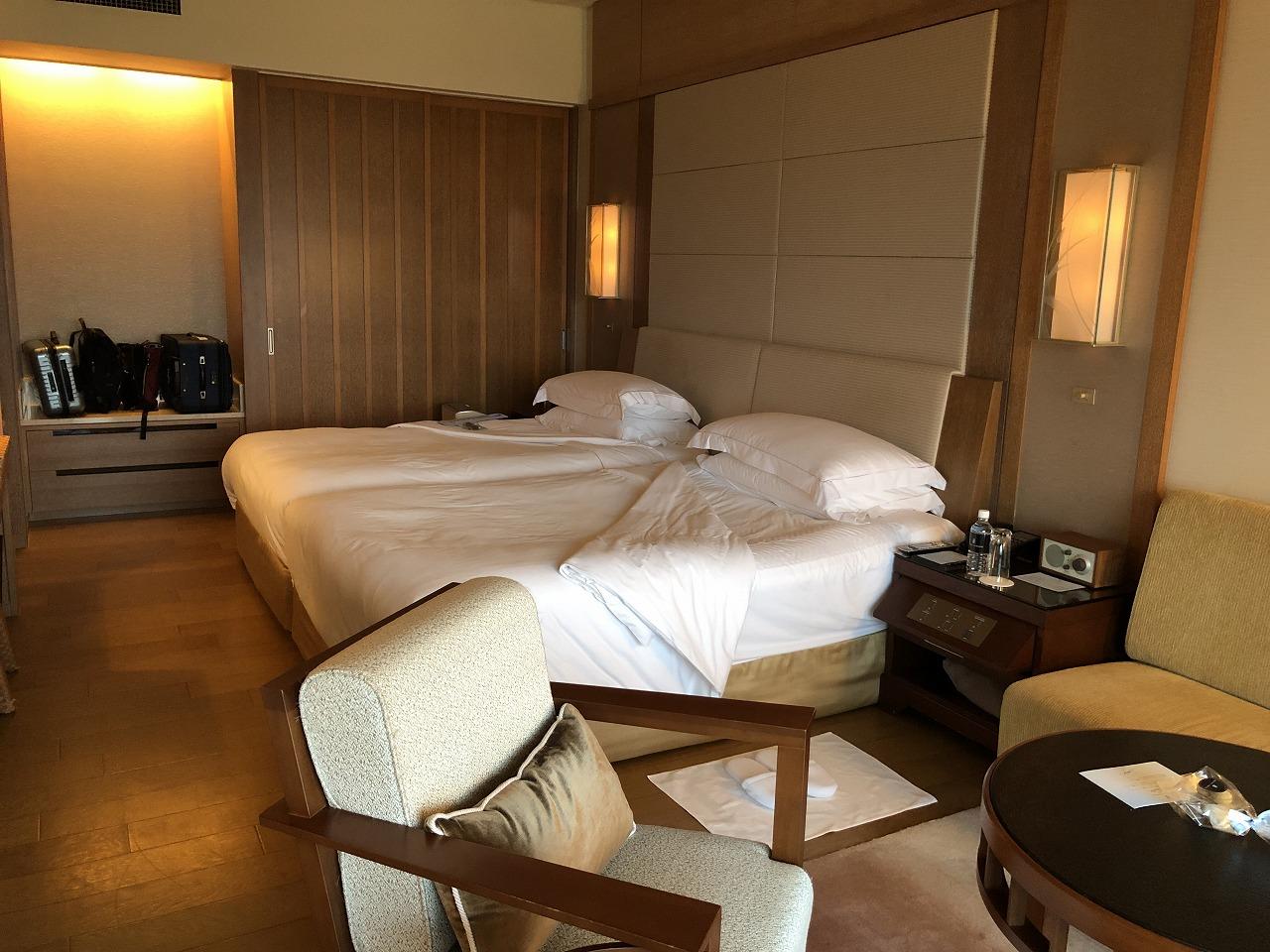 リッツカールトン沖縄のデラックスルームのベッドルーム側3