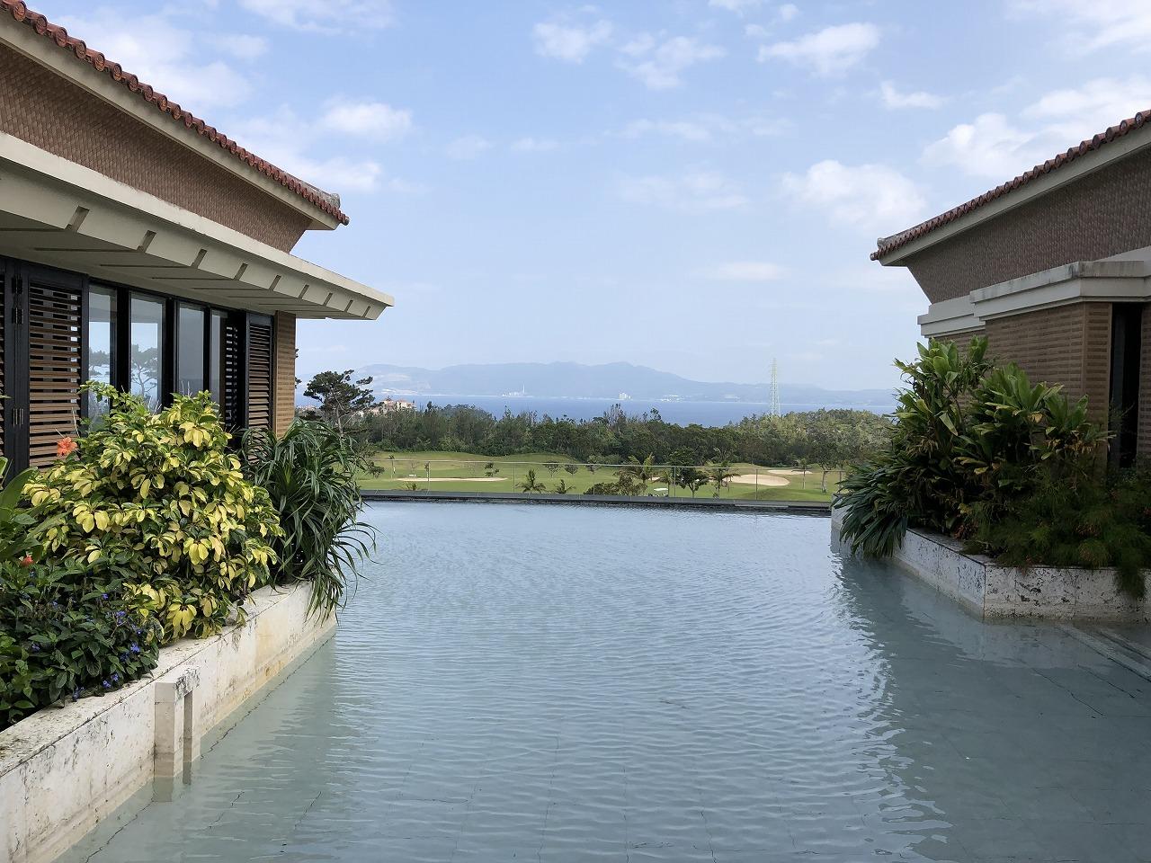 リッツカールトン沖縄の水盤2