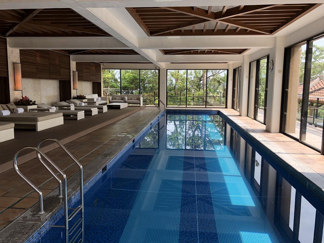 リッツカールトン沖縄のプール1