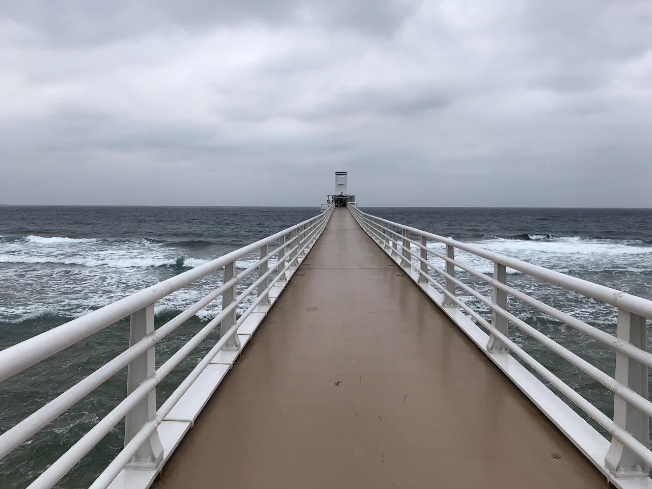 海中展望塔への橋2