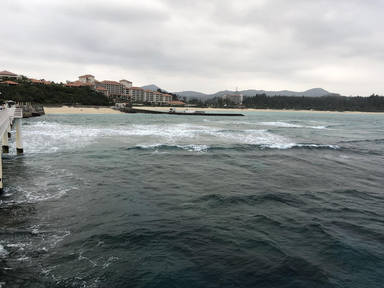海中展望塔からブセナテラス方面