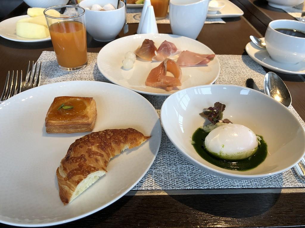 リッツカールトン東京のビュッフェ形式の洋食