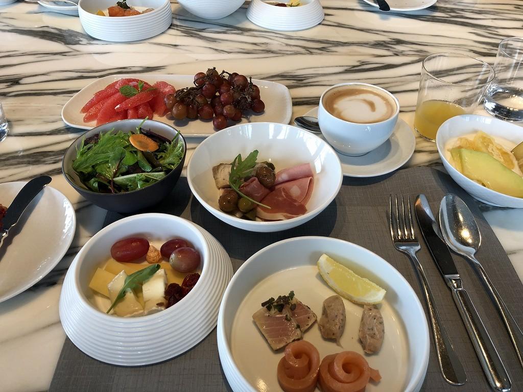 コロナ禍におけるリッツカールトン東京のTOWERSの朝食1