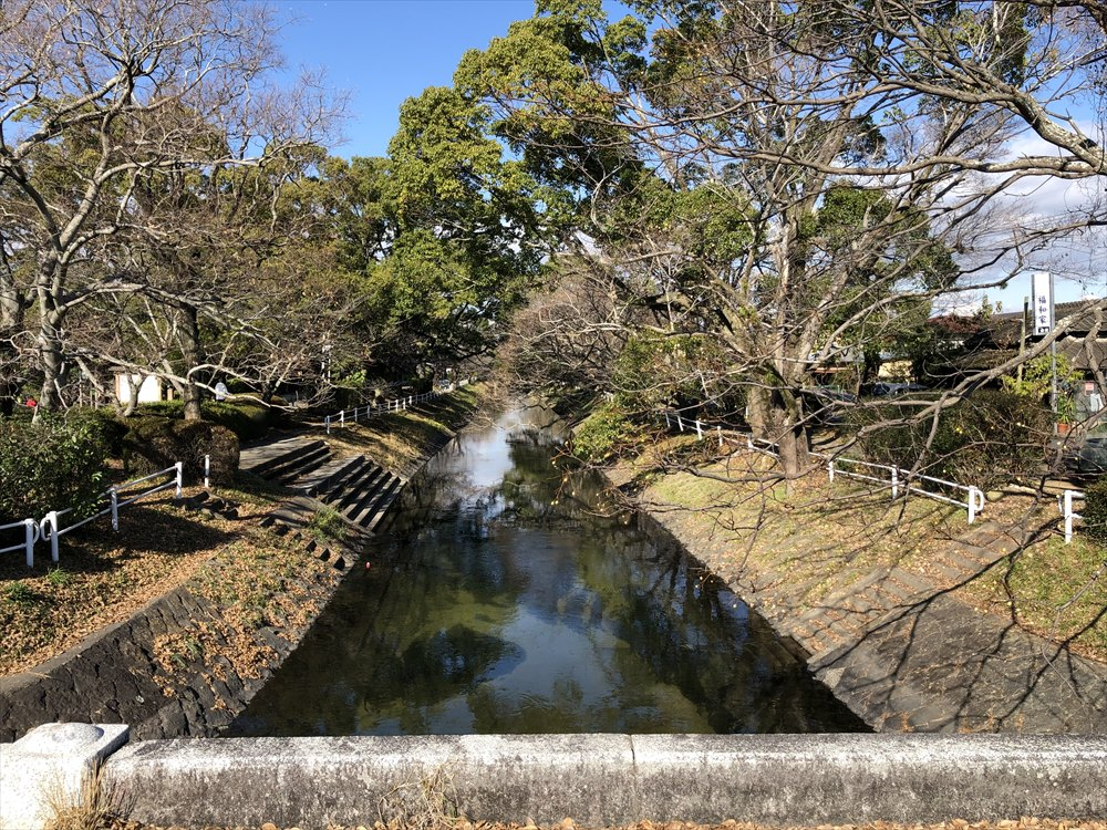 栴檀橋からの多布施川