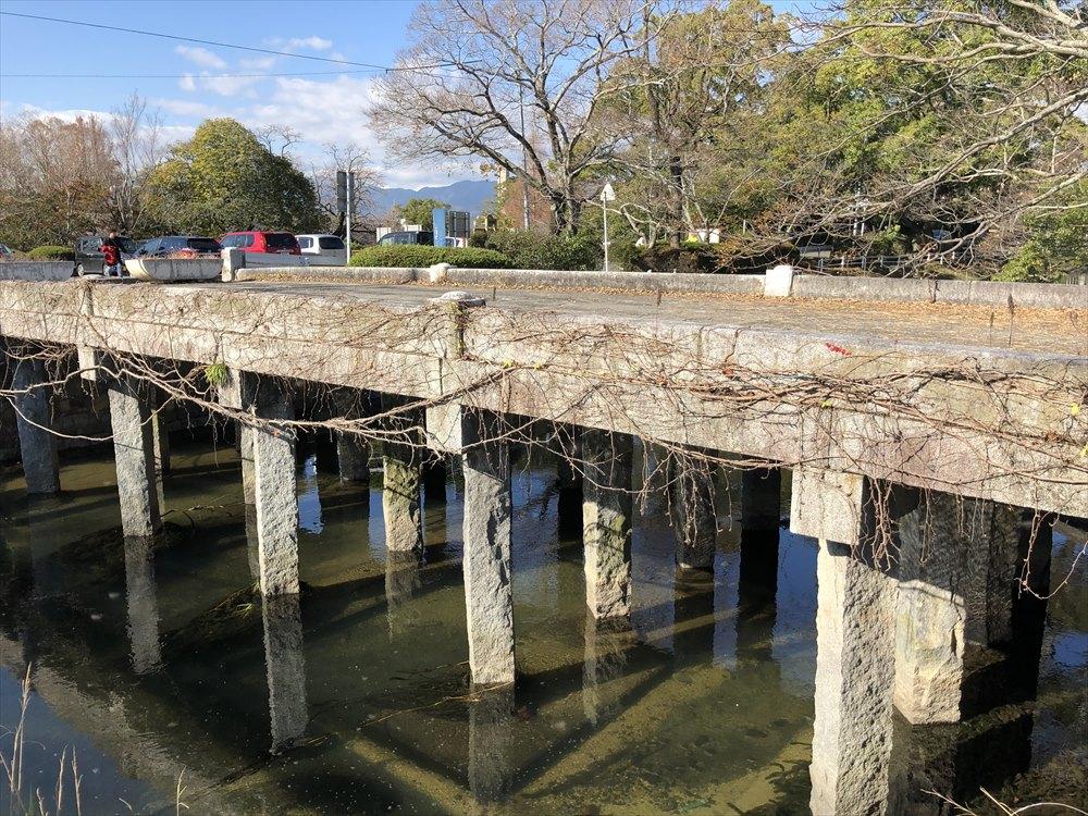 多布施川に架かる栴檀橋1