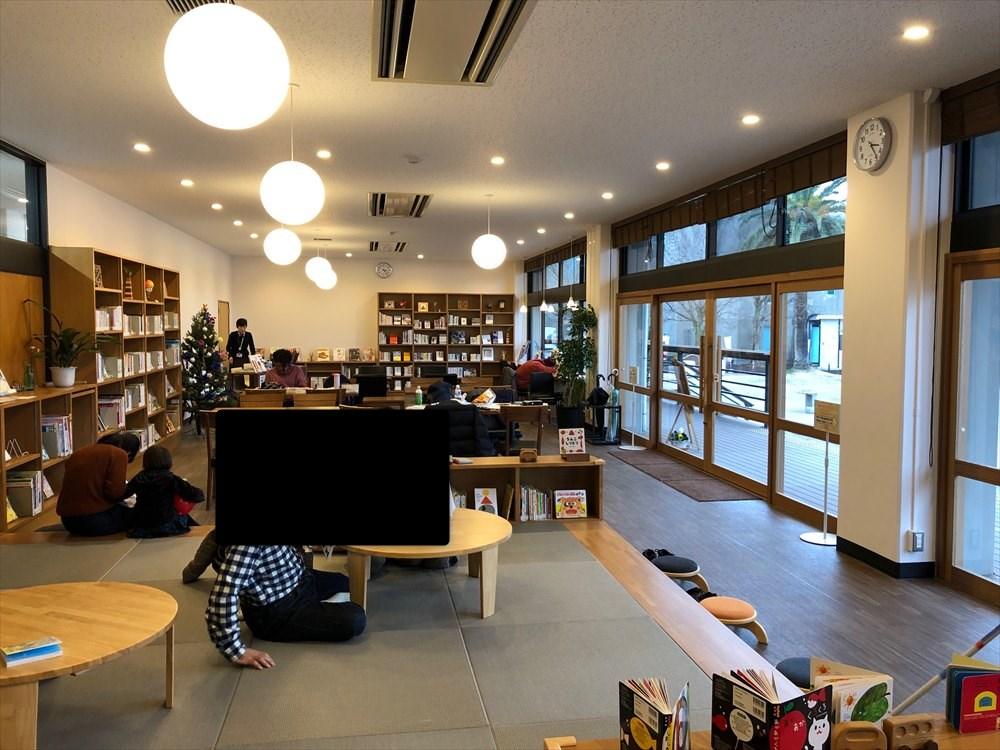 佐賀県立図書館3