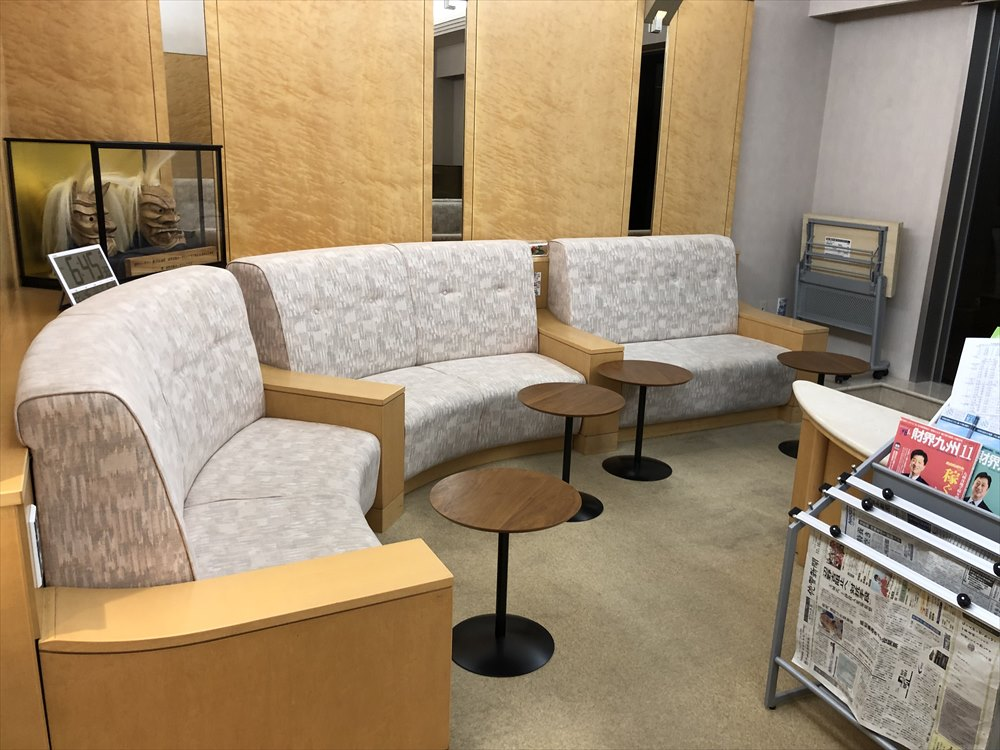佐賀空港の有料待合室2