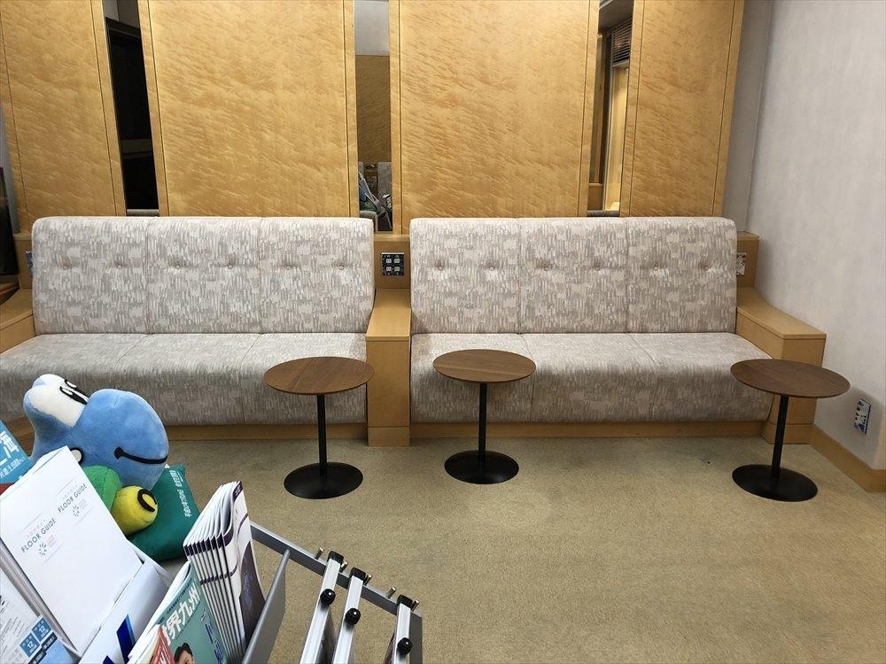 佐賀空港の有料待合室3