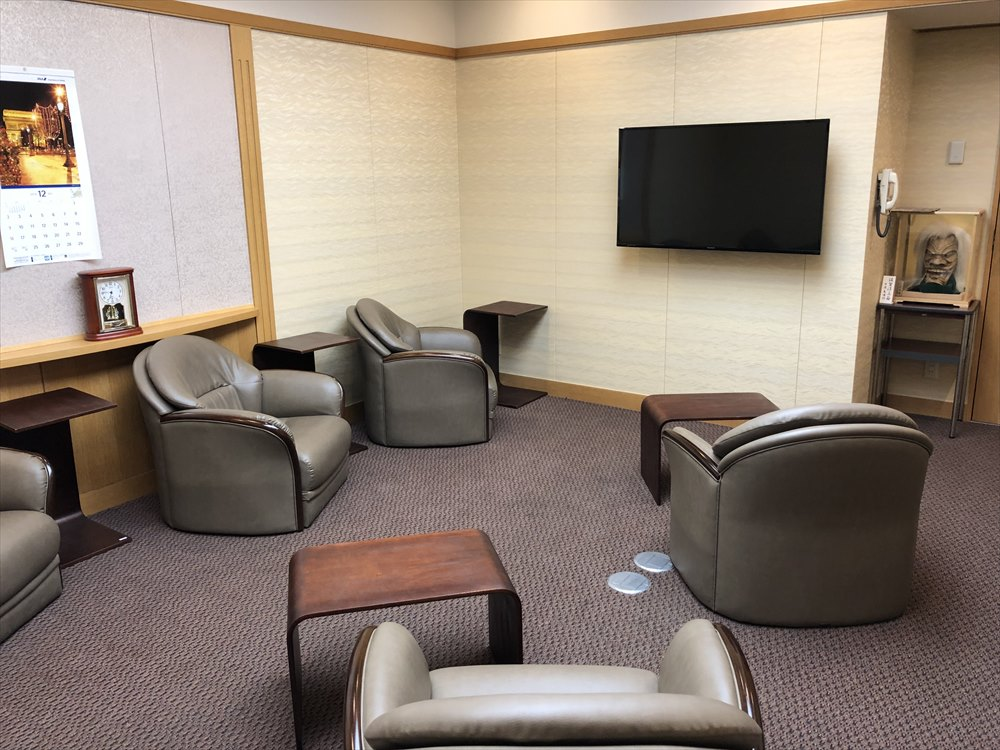 佐賀空港の有料待合室4