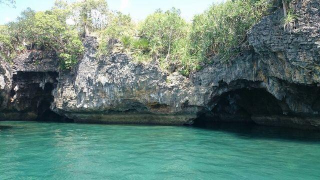 イロイロ島の洞窟