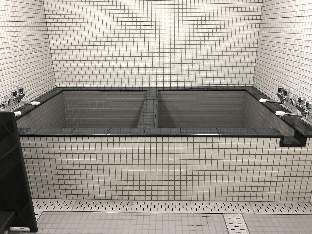サンガスタジアムの内覧会の浴室