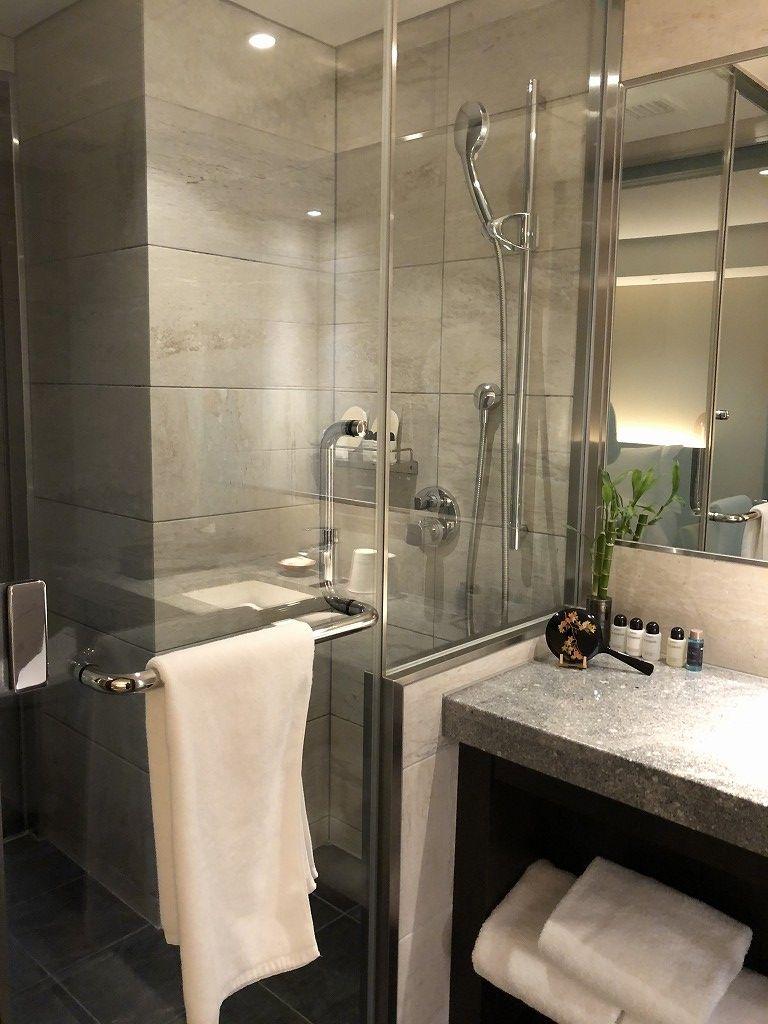 翠嵐ラグジュアリーコレクションホテルの柚葉のシャワールーム