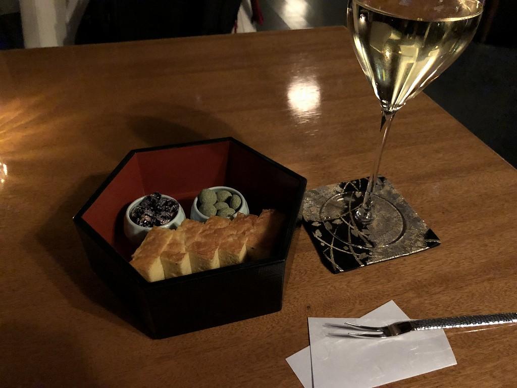 翠嵐ラグジュアリーコレクションホテルのシャンパン