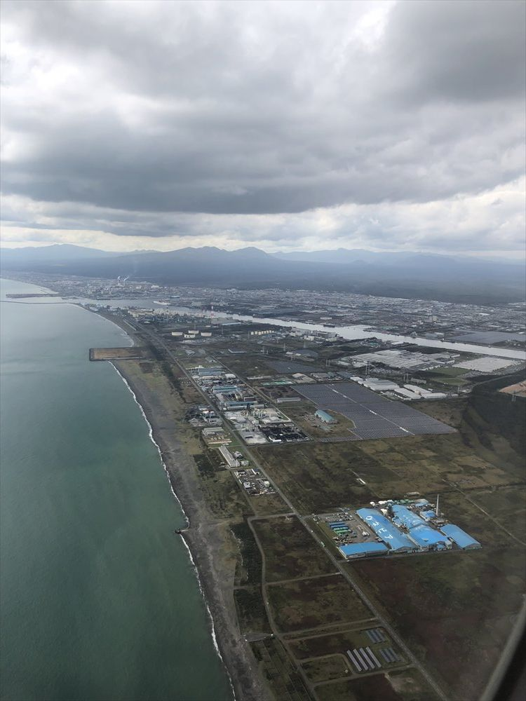 ANA63便からの苫小牧市上空