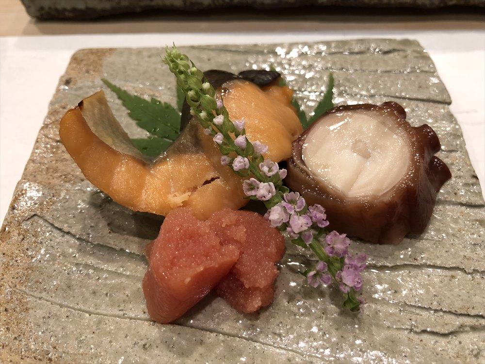 札幌の鮨 西光のマス、タコ、山わさびで漬けたというタラコ