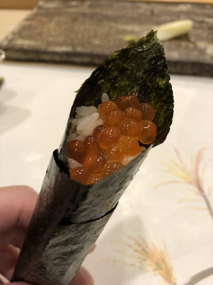 札幌の鮨 西光のいくら細巻き