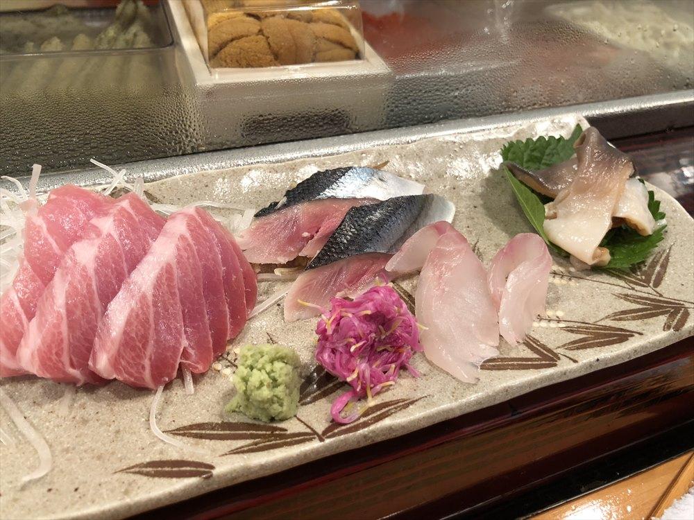 仙台 文化横丁の新富寿司の刺盛り