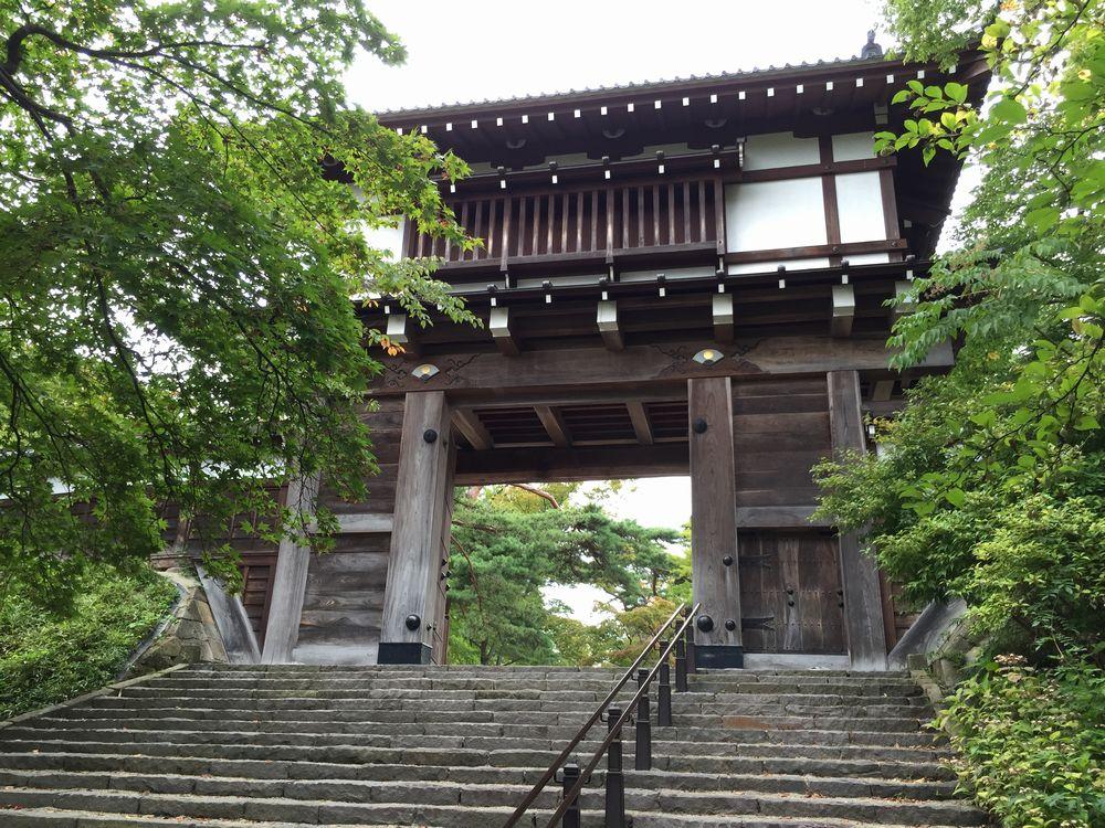 久保田城の表門1