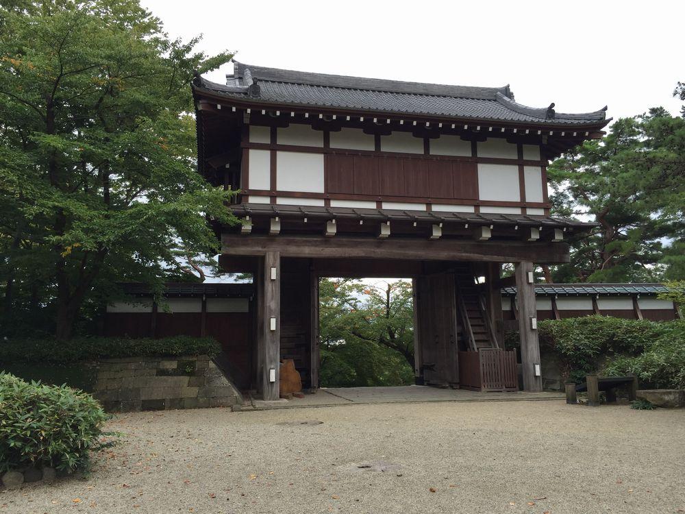 久保田城の表門2