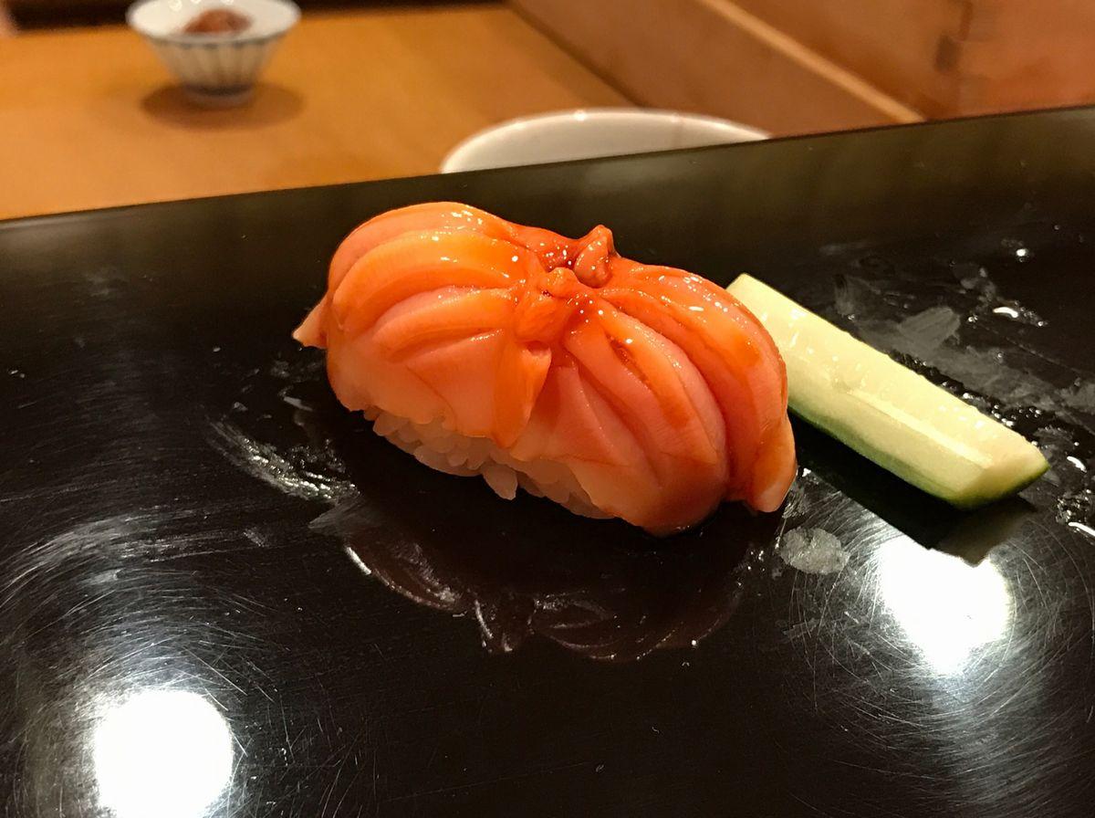 仙台すし蓑の赤貝の握り
