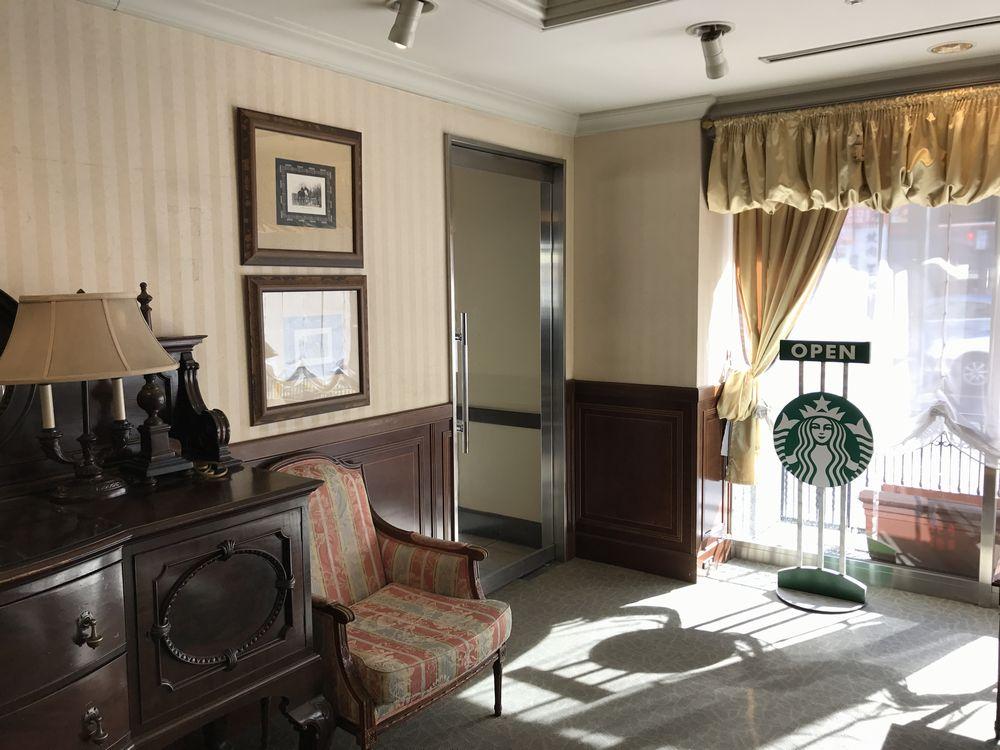 ホテルグランテラス仙台国分町からスターバックスへの通路